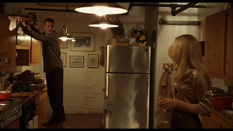 Cocina del apartamento-loft de los personajes de Chlöe Sevigny y Jonny Lee Miller
